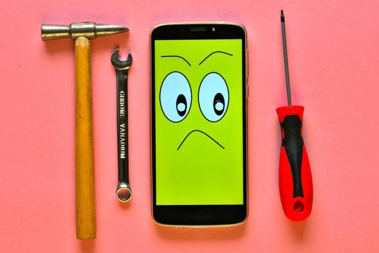 Naprawa uszkodzonego telefonu ma wiele zalet dla właściciela urządzenia