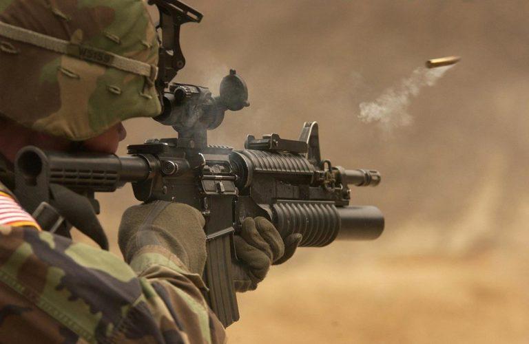 Wojskowy styl ubrań pozwoli nam się wyróżnić
