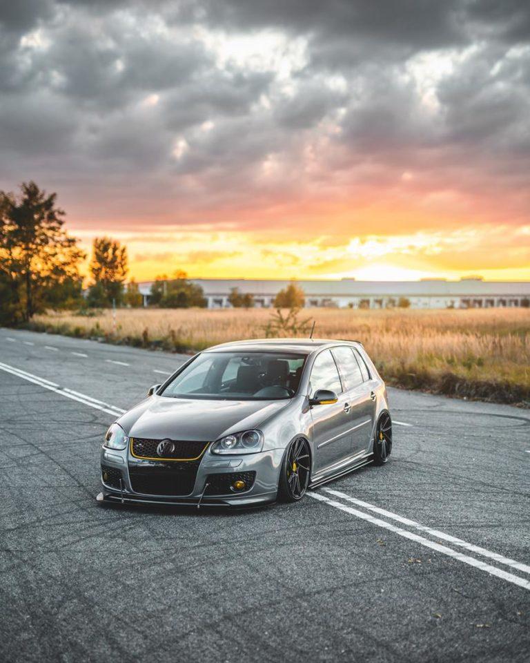 Wskazówki, których nie możesz przegapić, aby zwiększyć oszczędności na ubezpieczeniu samochodowym