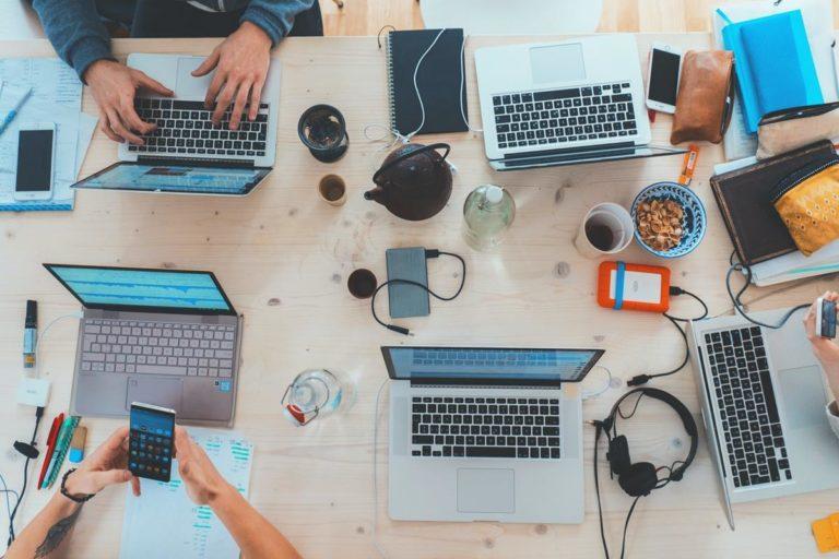Porady ekspertów dotyczące hostingu i sukcesu